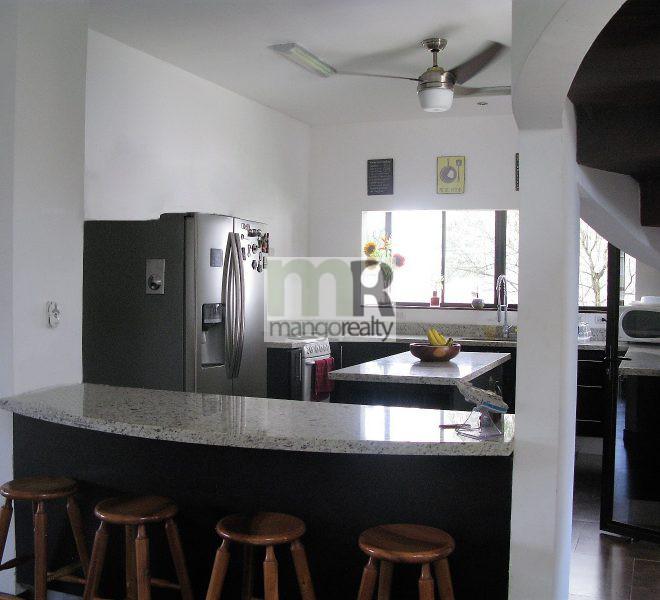 Casa_La_Guacima_gradas_cocina
