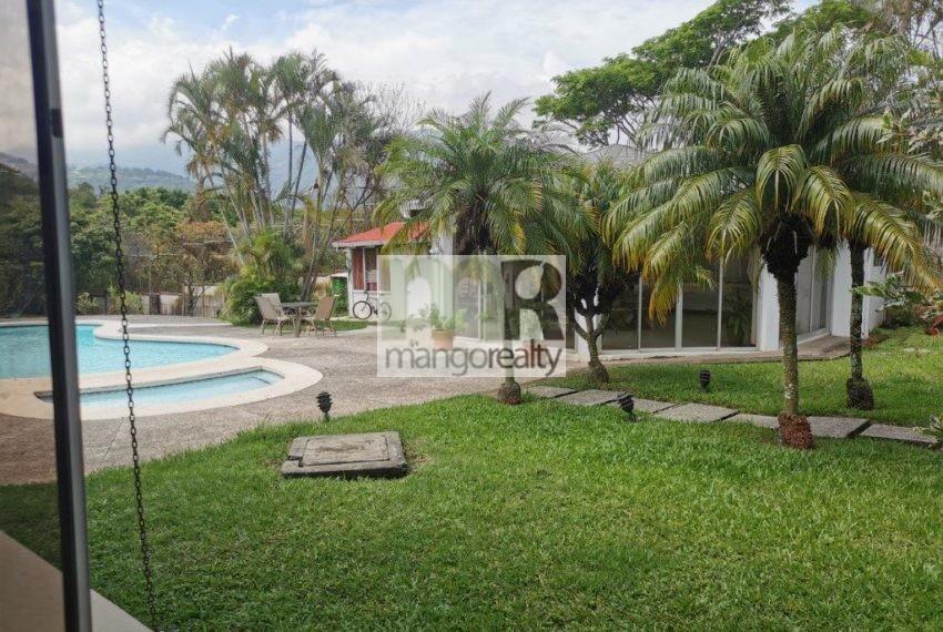 Casa_Lujo_Pozos_jardin2